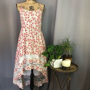 XHILIRATION Floral High Low Dress with Lace Trim